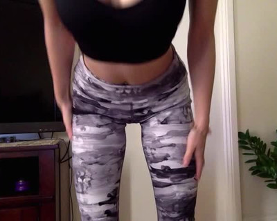 Thumbnail for Lily_wood's Premium Video Booty teasing in my gym leggings 0:)